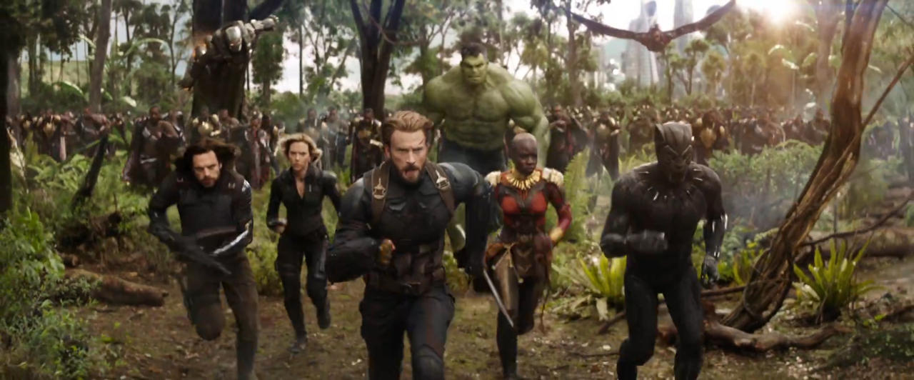 3320083-marvel+studios'+avengers++infinity+war+official+trailer.00_02_00_25.still050